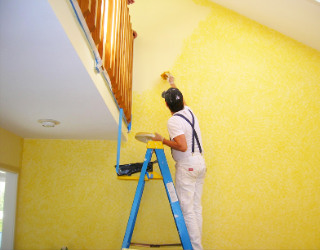 Decorating a room in yellow